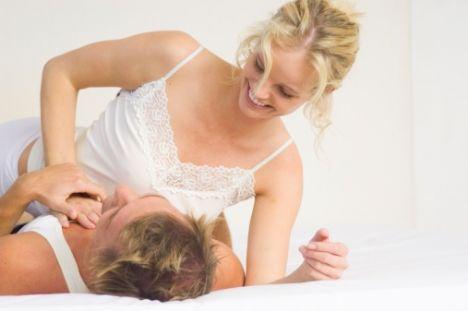 Aranızdaki bağı seksle güçlendirin  En yoğun cinselliği partnerinizle ruhsal olarak aynı boyutu yakaladığınızda yaşarsınız. İşte aranızdaki bağı güçlendirecek yöntemler...